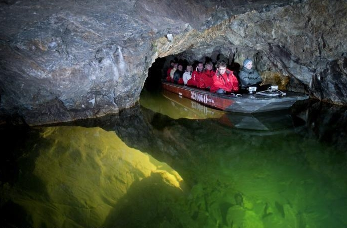 Новогодняя Моравия: карстовые пещеры, город Брно и дегустация вин