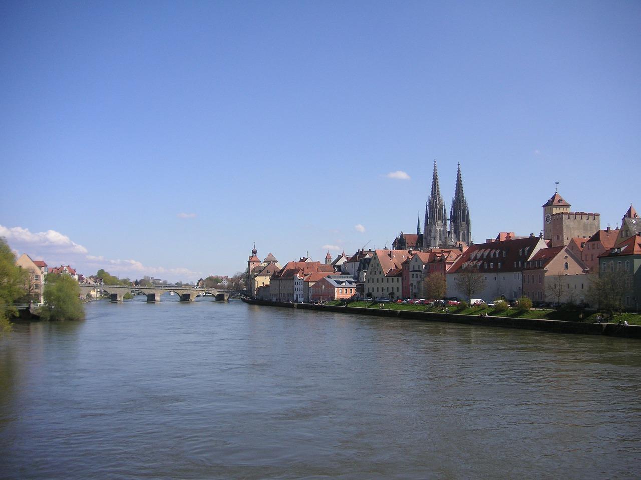 Регенсбург и монастырь Вельтенбург